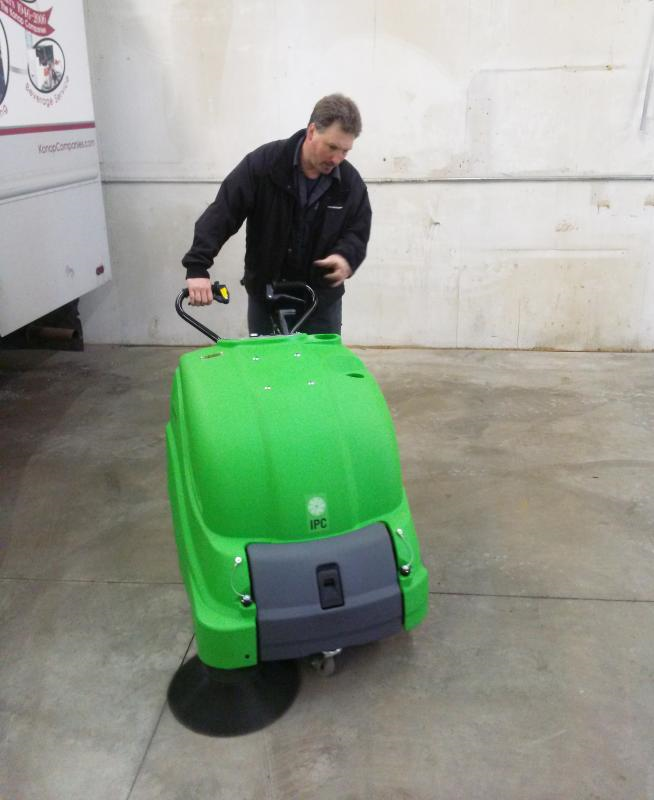 "512ET IPC Eagle 28"" industrial Battery Sweeper Vacuum Powered"