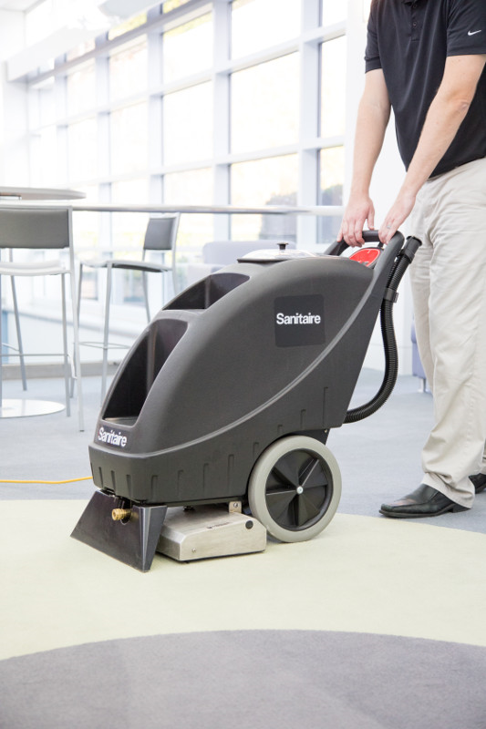 SC6095A Sanitaire Self Contained Carpet Extractor
